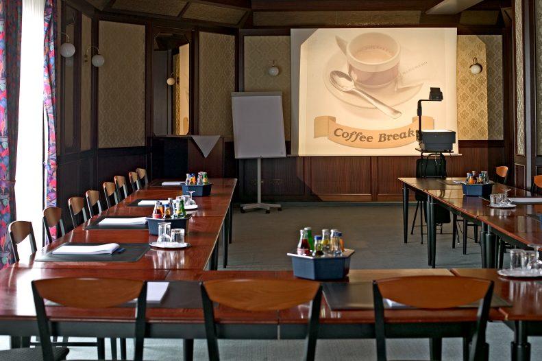 Unser gepflegter Konferenzraum mit W-LAN Zugang